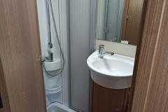 kamper Carado - łazienka